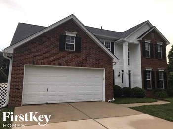 1352 Lloyd Place NW 4 Beds House for Rent Photo Gallery 1