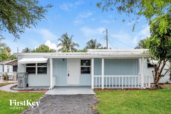 1366 NE 27 STREET 3 Beds House for Rent Photo Gallery 1