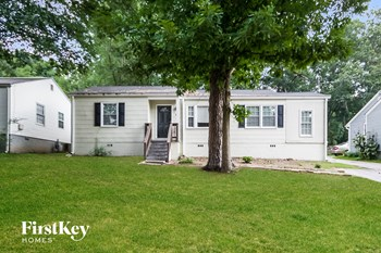 1367 Blanche Dr SE 3 Beds House for Rent Photo Gallery 1
