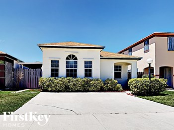 13910 SW 160 Ter 3 Beds House for Rent Photo Gallery 1