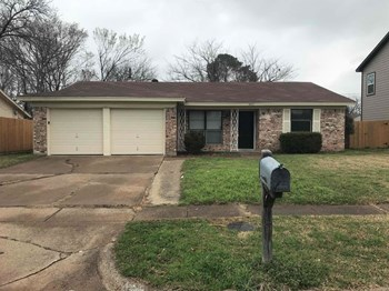 14912 Oakwood Ln 3 Beds House for Rent Photo Gallery 1