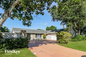 1553 The 12Th Fairway 3 Beds House for Rent Photo Gallery 1