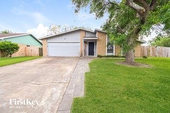 15635 Mendocino Dr 3 Beds House for Rent Photo Gallery 1
