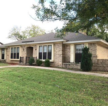 1600 NORWOOD Dr 4 Beds House for Rent Photo Gallery 1
