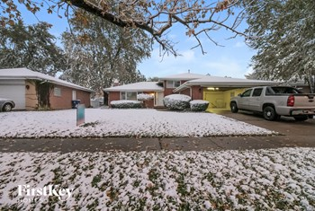16921 Greenwood Ave 4 Beds House for Rent Photo Gallery 1