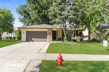 17056 KIMBARK AVE 3 Beds House for Rent Photo Gallery 1