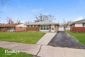 17941 Wildwood Ave 3 Beds House for Rent Photo Gallery 1
