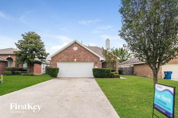 18490 Sunrise Pines Drive 3 Beds House for Rent Photo Gallery 1