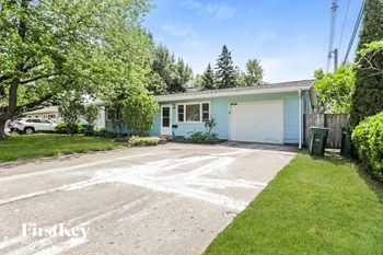 18705 W Ash Dr 3 Beds House for Rent Photo Gallery 1