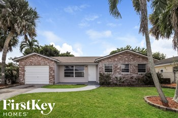 22624 SW 64Th Way 3 Beds House for Rent Photo Gallery 1