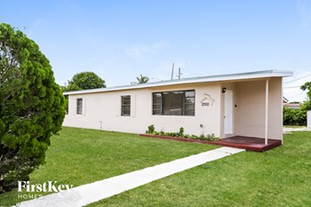 2300 NW 179Th Ter 3 Beds House for Rent Photo Gallery 1