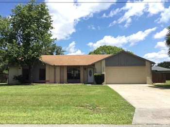 2450 Tracy Ln 3 Beds House for Rent Photo Gallery 1