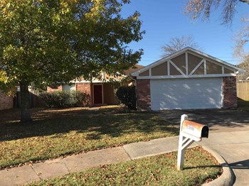 2606 Indian Trail Drive 3 Beds House for Rent Photo Gallery 1