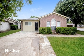 2613 Winding Rd 3 Beds House for Rent Photo Gallery 1