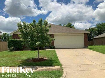 2621 REDWOOD ST 4 Beds House for Rent Photo Gallery 1