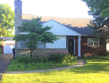 2921 Astor Ave 4 Beds House for Rent Photo Gallery 1