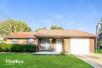 3218 N Pawnee Drive 3 Beds House for Rent Photo Gallery 1