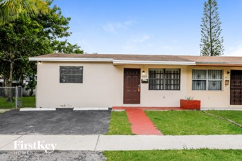 3453 NW 191St St 3 Beds House for Rent Photo Gallery 1