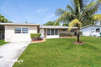 4931 NW 13Th St 3 Beds House for Rent Photo Gallery 1