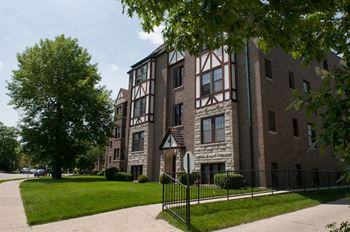 2 bedroom apartments for rent in riverside il rentcaf for 3 bedroom apartments in riverside ca
