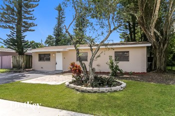 4968 SW 5 St 3 Beds House for Rent Photo Gallery 1