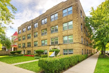 4151-57 W Cullom Ave & 4248-58 N Kedvale Ave 1-2 Beds Apartment for Rent Photo Gallery 1