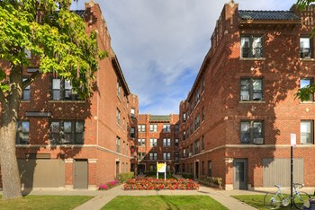4801-13 N Bell Ave & 2216-24 W Lawrence Ave 1-2 Beds Apartment for Rent Photo Gallery 1