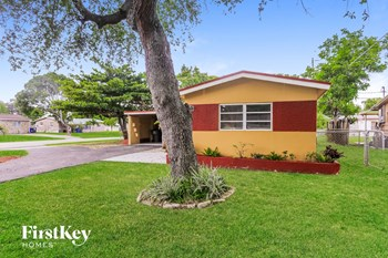 6571 Thomas St 3 Beds House for Rent Photo Gallery 1