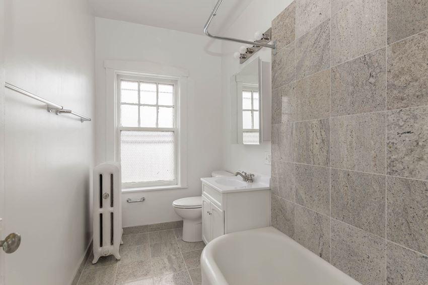 Hamilton Place - Bathroom