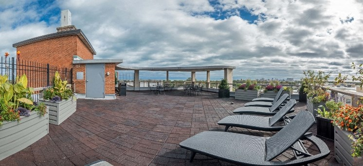 Presidential Apartments - Sundeck