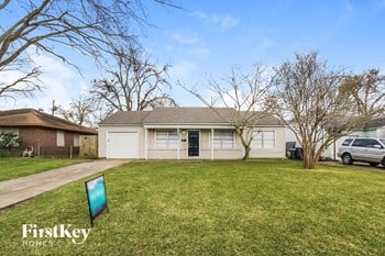 7302 Heron Lane 3 Beds House for Rent Photo Gallery 1
