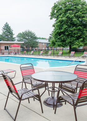 Pool at Warren Club Apartments in Warren