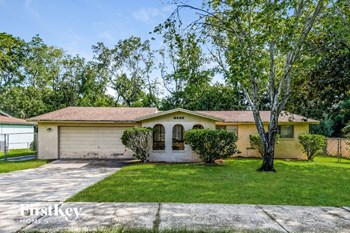 8645 Moss Haven Road 3 Beds House for Rent Photo Gallery 1