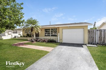 9540 NW 25Th St 3 Beds House for Rent Photo Gallery 1