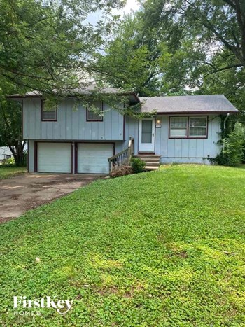 9736 Wallace Avenue 3 Beds House for Rent Photo Gallery 1