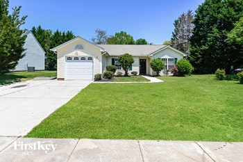 4190 Ivydale Avenue SW 3 Beds House for Rent Photo Gallery 1