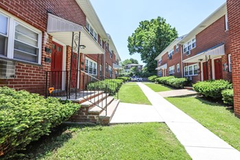 312 Realty Associates, LP Studio-1 Bed Apartment for Rent Photo Gallery 1