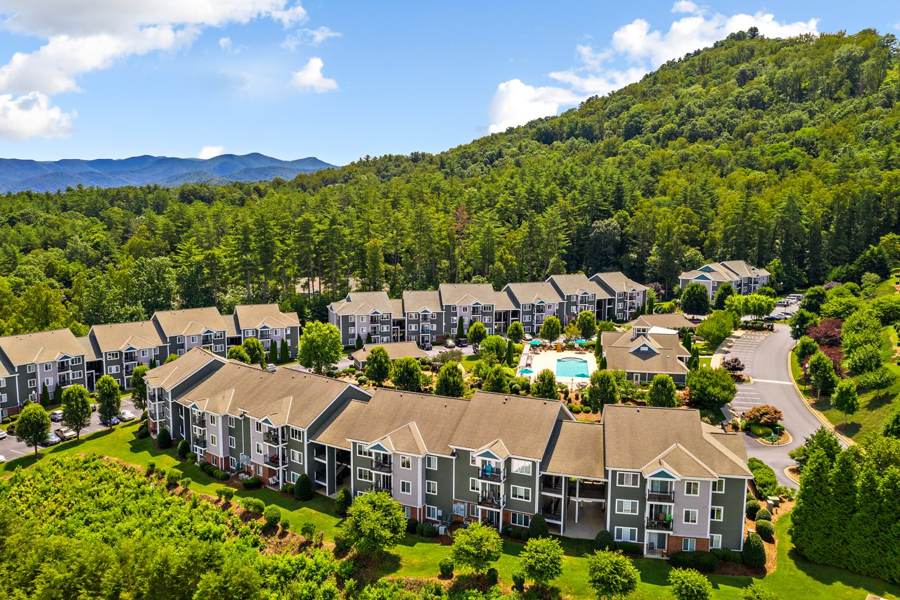 Picturesque Surrounding Mountains at Hawthorne at the Peak