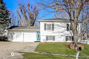 17800 Aqueduct Dr 3 Beds House for Rent Photo Gallery 1