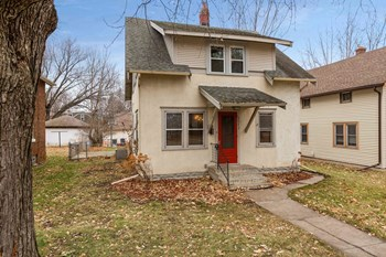 2943 Washburn Ave N 3 Beds House for Rent Photo Gallery 1