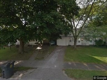 Unit B (Garage) Studio House for Rent Photo Gallery 1