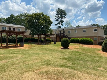 1870 Atlanta Rd SE 1-3 Beds Apartment for Rent Photo Gallery 1