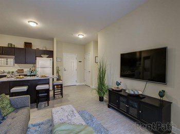 4255 Center Road 1-2 Beds Apartment for Rent Photo Gallery 1