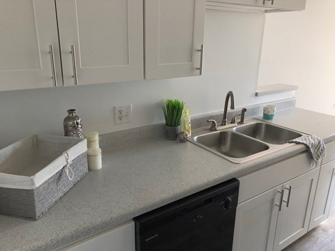 Premium kitchen counter and appliances in Regency apartments Bettendorf, Iowa