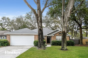 1717 N Swimming Salmon Place 3 Beds House for Rent Photo Gallery 1