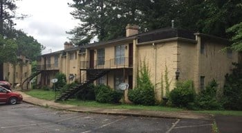 3128 Chateau Blvd. East Point 1-2 Beds Apartment for Rent Photo Gallery 1