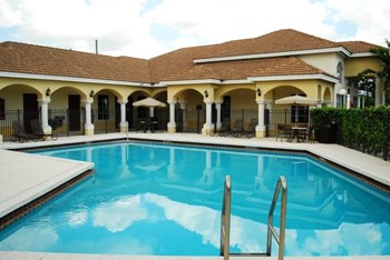1560 NW 119th Street 1-3 Beds Apartment for Rent Photo Gallery 1