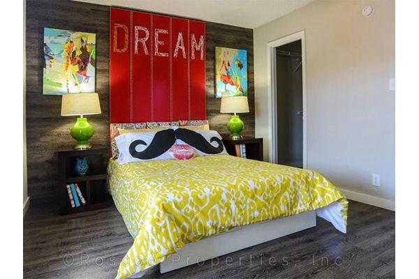bedroom_riverside_apartments_austin