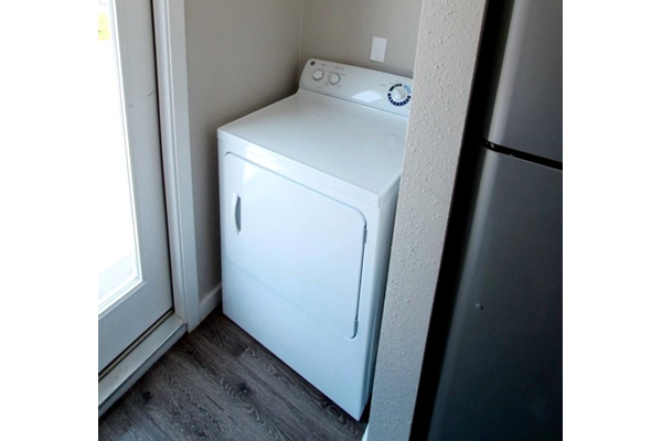 laundry_riverside_apartments_austin