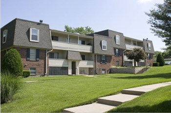 7329  Troup Ave 1 Bed Apartment for Rent Photo Gallery 1